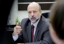 """صورة الأردن.. """"الرزاز"""" يعلق على امكانية استقالة حكومته"""