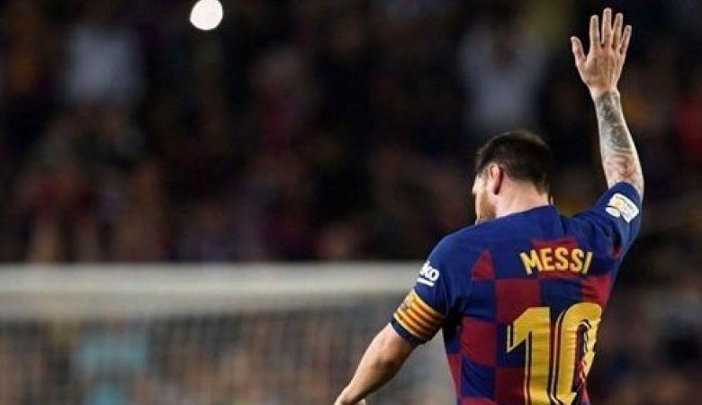 صورة ميسي يطيح برونالدو ويصبح أعلى اللاعبين دخلا في العالم